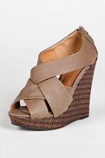 f80885f77e9a Qupid Women s Zip Sandals and Flip Flops