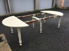 Table à rallonges Louis Philippe du 19ème peinte en blanc cassé