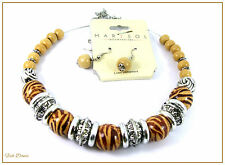 MARYSOL. ANIMAL PRINT WOODEN BEAD & SILVER CHOKER NECKLACE & EARRING SET (19)