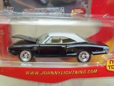 JOHNNY LIGHTNING - MUSCLE CARS  - (1970) '70 DODGE SUPER BEE - 1/64 DIECAST
