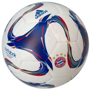 Adidas FC Bayern München Fußball FCB Ball Bundesliga Bayern München Ball Meister