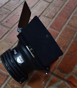 "Profoto 5"" Disc Reflector w Multi leaf 4 Way Barndoors use on B1 B1X B10 D1 D2"