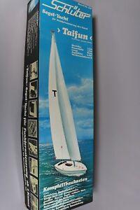 ZF002 Schluter Segel Yatch 608 maquette bateau voilier TAIFUN Ht 1,9 m L 95 cm
