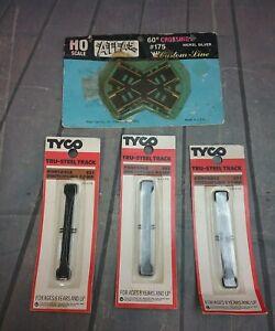 Atlas 175 Nickel Silver 60 degree Crossing & 3 vtg Tyco Portable Track ramps
