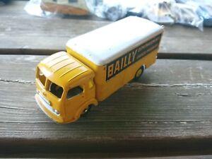 #701 - Dinky Toys Simca Cargo Déménagement Bailly