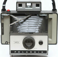 Vintage Polaroid 320 Instant Film Folding Camera AAA Battery Made in USA 1960s