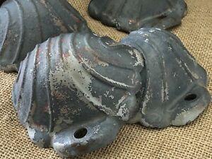 Set of 4 Vintage Cast Iron Feet Shell Design