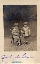 BL037 Carte Photo vintage card RPPC Enfant mode fashion jumelle ours peluche