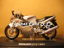 MOTO 1/24 COLLECTION DUCATI  ST2 1997  MOTORCYCLE