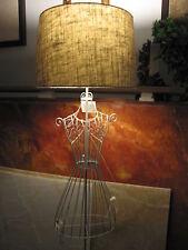 Stehleuchte a. Impressionen Atelierarbeit Kleiderpuppe m. Schirm grau lackiert.