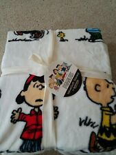 Berkshire velvet soft twin size peanuts and gang blanket Charlie Brown Lucy