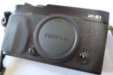 Fuji X Series X-E1 16.3 MP - Black and Half Case