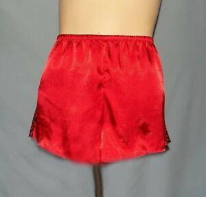 Plus Size 2X Secret Treasures Metallic Red Satin-Like Tap Pant
