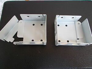 Wood Venetian Blind Metal brackets pair to fit 50mm x 58mm Top rail white Large