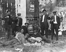 1911 Bière Buveurs Drunk Laughing Spooky Ghost Haunting Photo Draft Keg Fête