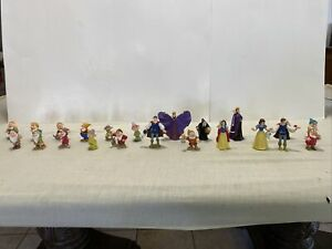 Vintage  Disney Classics - snow white and 7 dwarfs Figure Lot of 21