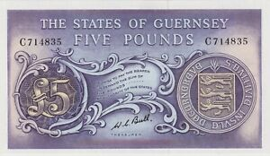 P46c GUERNSEY FIVE POUNDS BANKNOTE IN MINT CONDITION ISSUED BETWEEN 1969 & 1975