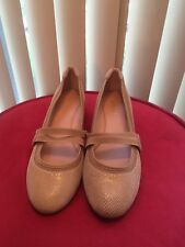 Taryn Rose Womens Peanut Beige Leather & Fabric Wedge Pump Heels Shoes Sz 10 M