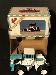 ERTL BIG BUD Toy Farmer 1/32  370 Bafus Blue in original box and packaging