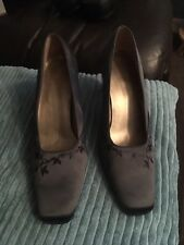 Ladies Grey Satin Shoes 7