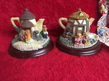 Set of 2 Collectible Teapot Cottages Mini Handpainted Little Bears Different Vtg