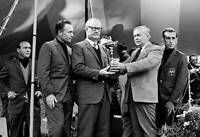 OLD PHOTO British Prime Minister Harold Wilson Presents The Ryder Cup Trophy