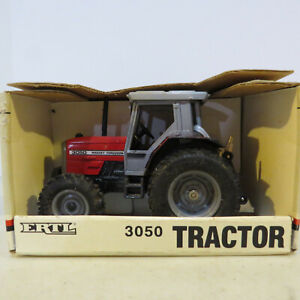 Ertl Massey Ferguson 3050 Tractor 1/32 MF-1139-B