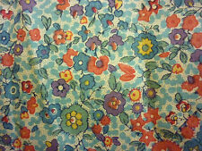 FABRIC SCRAP FLORAL PRINT TWO PIECES 21 x 6 X 10 in