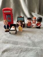 Elc Happyland - Royal Family Figure Bundle - Prince William, Kate, George, Queen