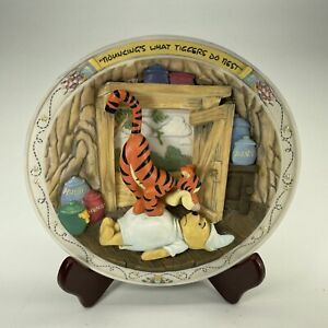"""7"""" Bradford Exchange BoUnCiNg'S WhAT TiGgErS Do BeSt Plate Pooh Limited Numbered"""