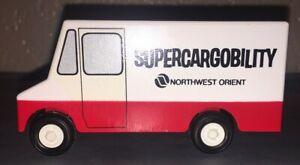 Northwest Orient Airlines Ralstoy Truck 22