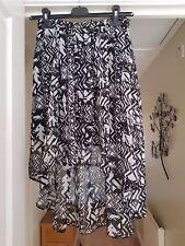 Ladies Black & White Geometric Patterned Skirt, Size 12, VGC