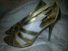 BNWOB PIERRE DUMAS WOMENS 8M HEELS  GOLD GODESS VEGAN ALL MAN MADE MATETIALS WOW
