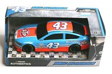 NASCAR Authentics Aric Almirola 43 STP 1:24 Ford Diecast 2017 Lionel Racing New