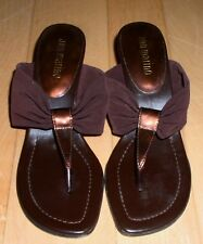 Ann Marino Wms Cute Brown Thong Sandals 6.5