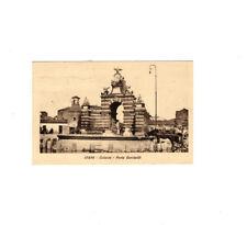 CARTOLINA CATANIA PORTA GARIBALDI ( 17804 CON VASCA ABBEVERATOIO PER CAVALLI)
