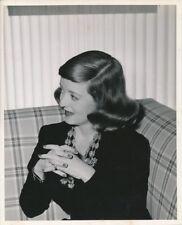 BETTE DAVIS Original CANDID Vintage 1940s MORGAN Warner Bros Studio Photo