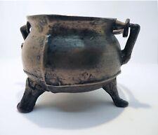 Rare chaudron marmite tripode Haute Epoque, antique bronze cauldron pot