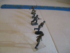 1/72 WW2 German  Army Figures, 10 figures (5 Army, 5 Paratroopers) built&painted