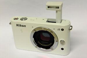 Nikon 1 J2 Gehäuse / Body ( ohne Objektiv ) weiß J 2 white B-Ware ohne Zubehör