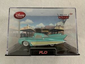 Disney Store Cars 2 Flo Diecast 1:43 Scale Collector's Case NEW