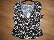 NWT- STUDIO M brown/ivory cross over ruched side elegant blouse size XL