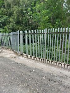 palisade security fencing, 2.4m high, 28m long includes posts and flanges