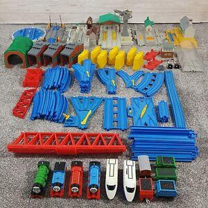 Thomas The Tank Engine Massive Trackmaster Bundle Set Inc Battery Trains