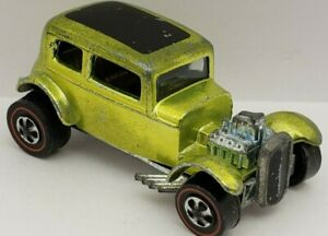 CLASSIC '32 FORD VICKY - Lime w/Champagne Interior, Original Hot Wheels REDLINE