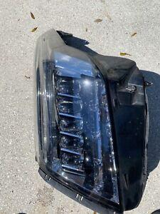 Cadillac Escalade Right Headlight Assembly
