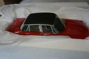 1/18 Cult Scale Models Rover 3500 P6B Saloon Red 1976