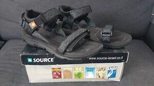 Source sandals for men size 43 (EU)