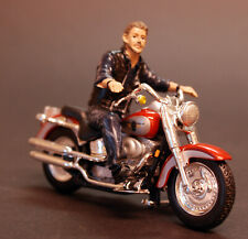 23914 American Diorama Biker Bull Dog 1:24