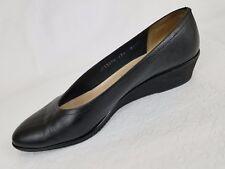 Salvatore Ferragamo Womens Shoe Size 8.5 Amputee Single Right